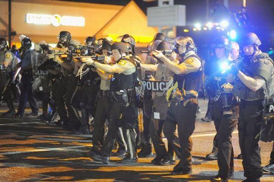 la-proxima-guerra-obama-manda-revisar-armas-de-guerra-en-manos-policiales