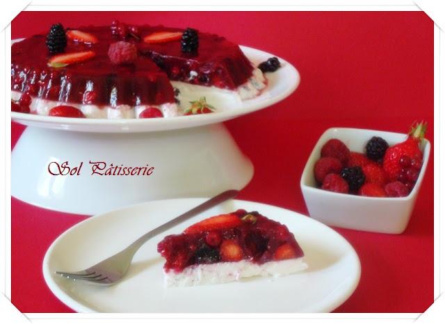 Panna cotta de leite de amêndoas e frutas vermelhas