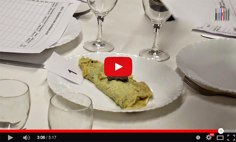 Concours d'omelettes à la Fête de la truffe de Sorges en Périgord (24).