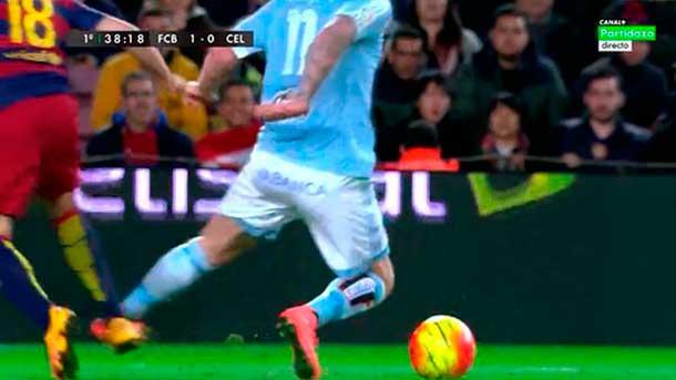 Jordi Alba hizo un penalti tonto precedido de una posible falta de Guidetti
