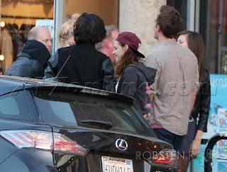 Kristen Stewart - Imagenes/Videos de Paparazzi / Estudio/ Eventos etc. - Página 31 127847-9ba23-67335025-m750x740-u904ba