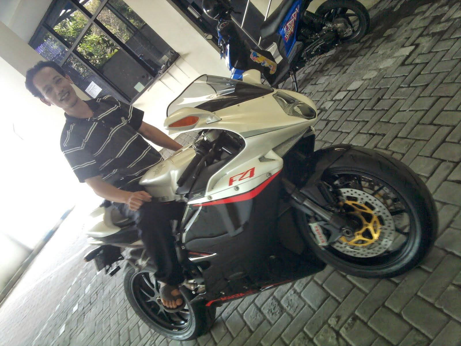 AGUSTA 1000cc