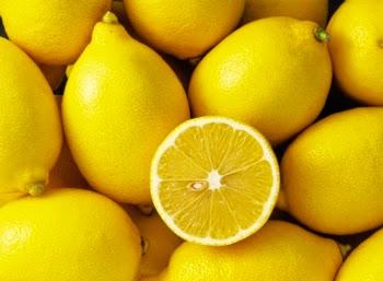Menghilangkan Flek Hitam Yang Ampuh Dengan Masker Buah Lemon Di Wajah