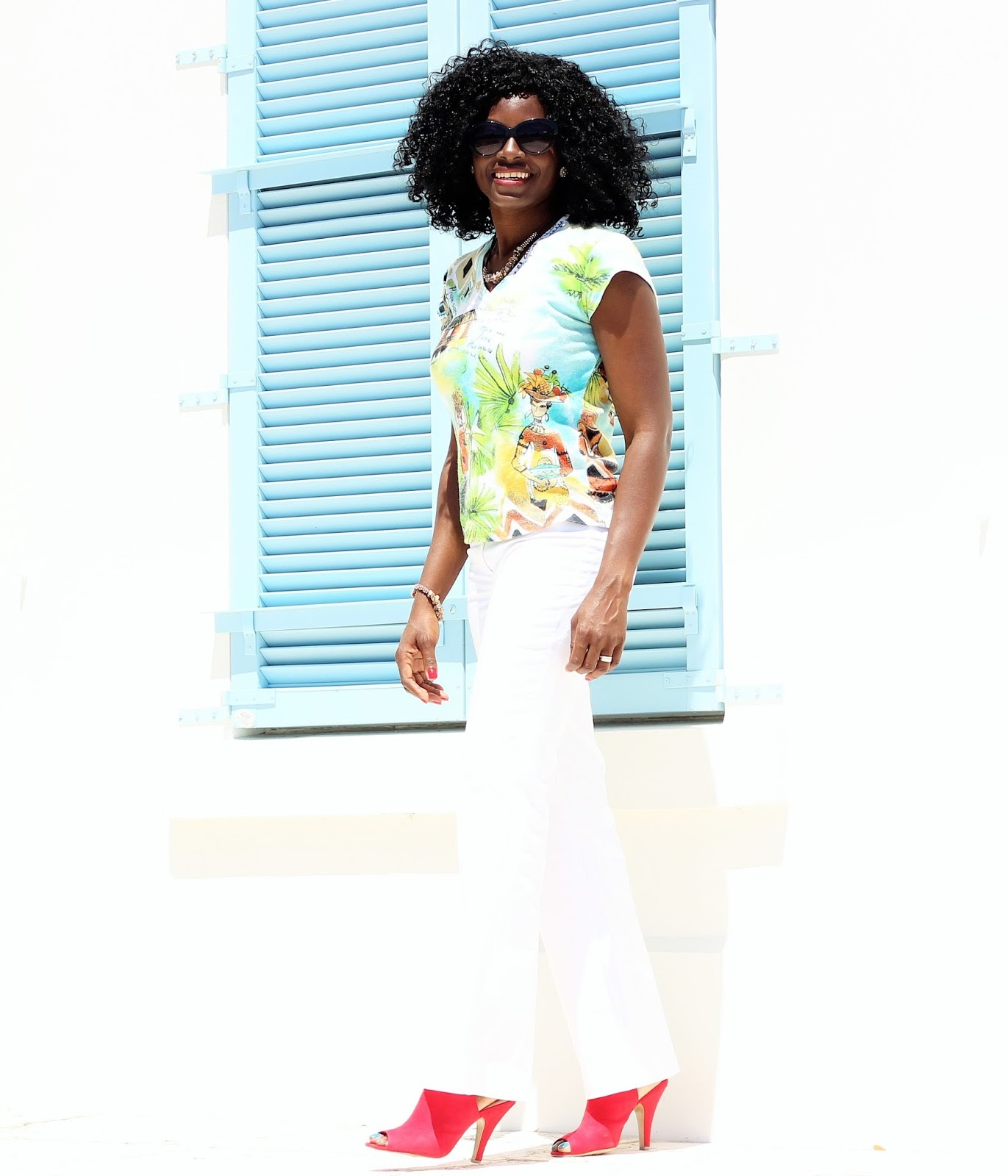 CASUAL FRIDAY: Printed T-Shirt with White Pants