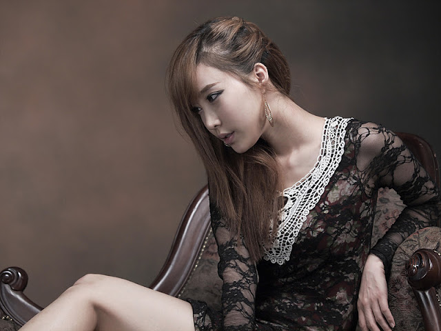 Im Min Young Gorgeous in Short Dress