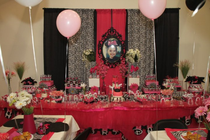Maddycakes Muse: Zebra Minnie Mouse Party