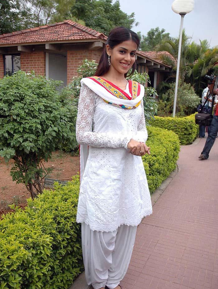 Alone Desi Girls Fashion Pictures Top Rank
