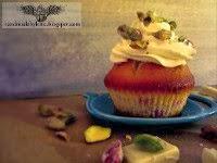 Redcurrant/White chocolate cupcakes