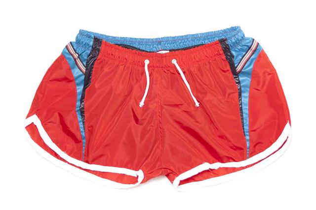 red-linea-de-verano-2012-en-ropa-deportiva-bañadores-y-prendas-muy-de-calle-para-un-público-masculino