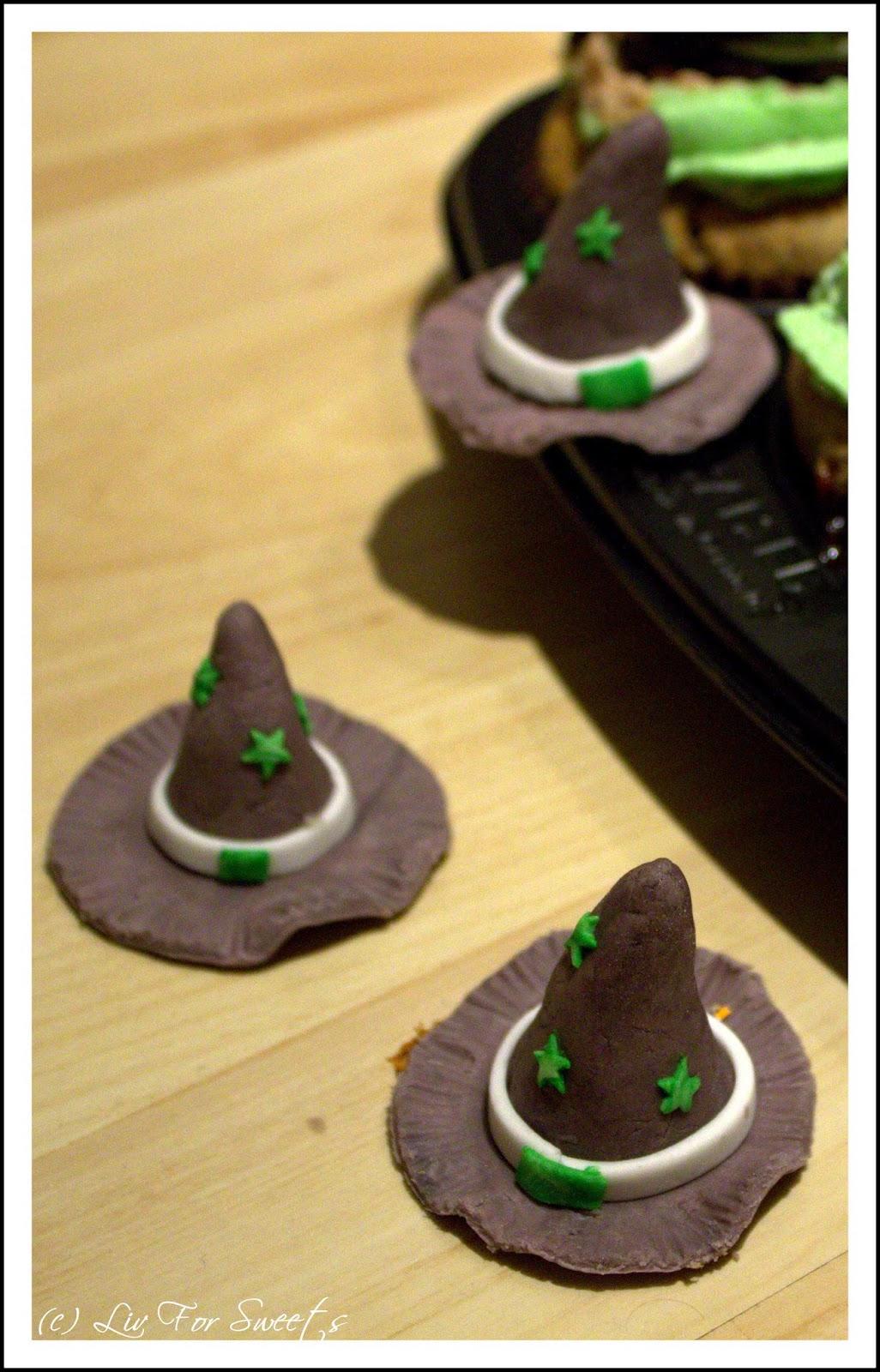 Cupcake-Topper Hexenhut mit Sternen aus Fondant, Rezept, Anleitung, Halloween, Thermomix