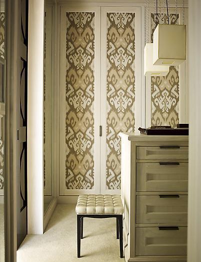 Blog de decora o arquitrecos renovando as portas dos for Papel pintado para puertas de armario