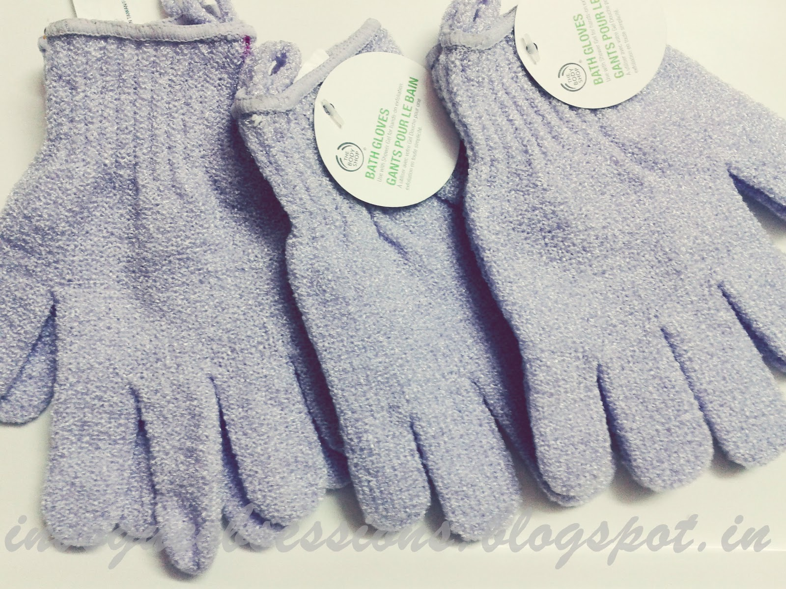 The Body Shop Bath Exfoliating Gloves Price in India