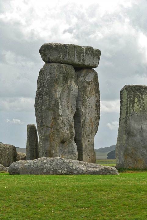 stonehenge, uk city breaks