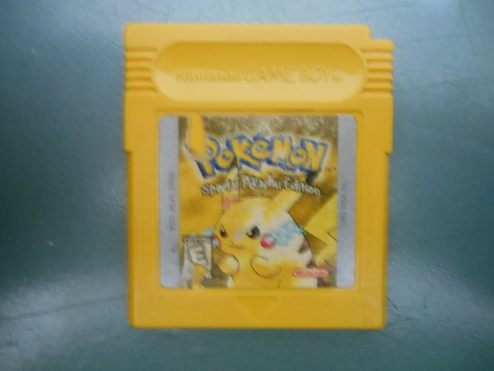 Gameboy color and pokemon yellow - Pokemon Yellow Basically Red Blue With A Pikachu