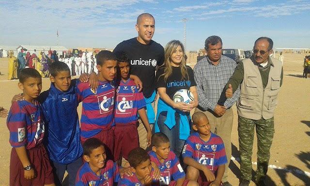 La délégation des ambassadeurs de bonne volonté de l'UNICEF en visite dans les camps de réfugiés sahraouis