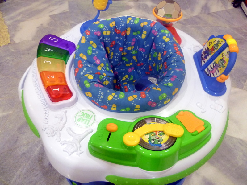 Leapfrog Baby Learn & Groove Activity Station Reviews ...