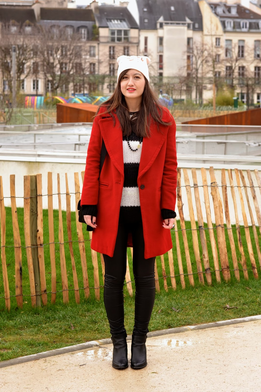 红色Zara外套