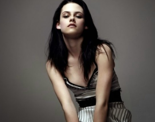 Kristen Stewart in bikini