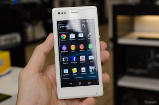 Hand on Sony Xperia M detailed review compact, granular configuration with NFC, price $ 270