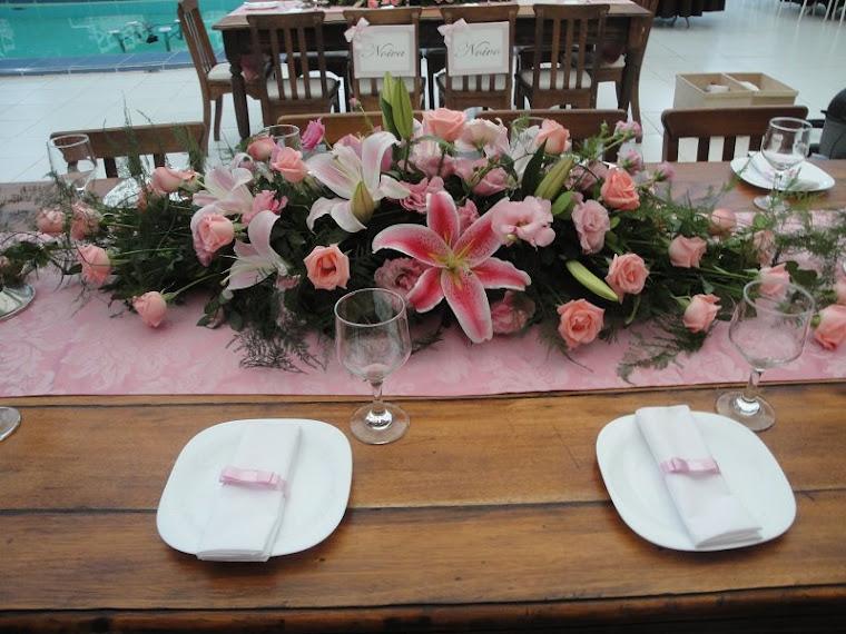 Arranjo floral para mesa da família