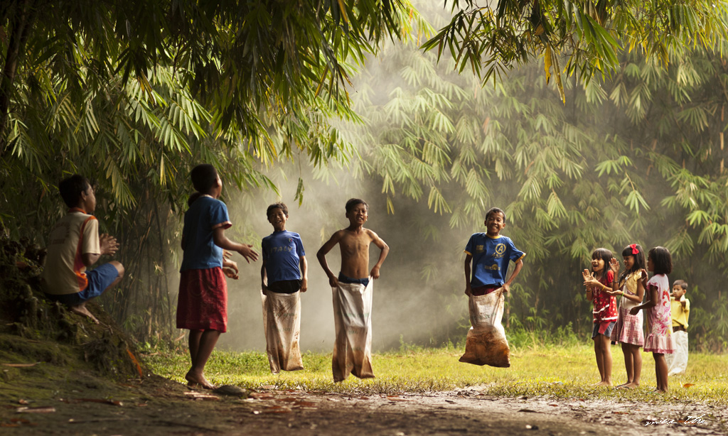 We Played These Traditional Games In Indonesia Warung Fiksi