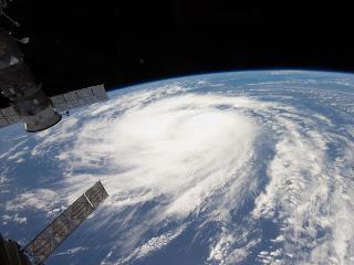 Тропический шторм Katia в Атлантическом океане