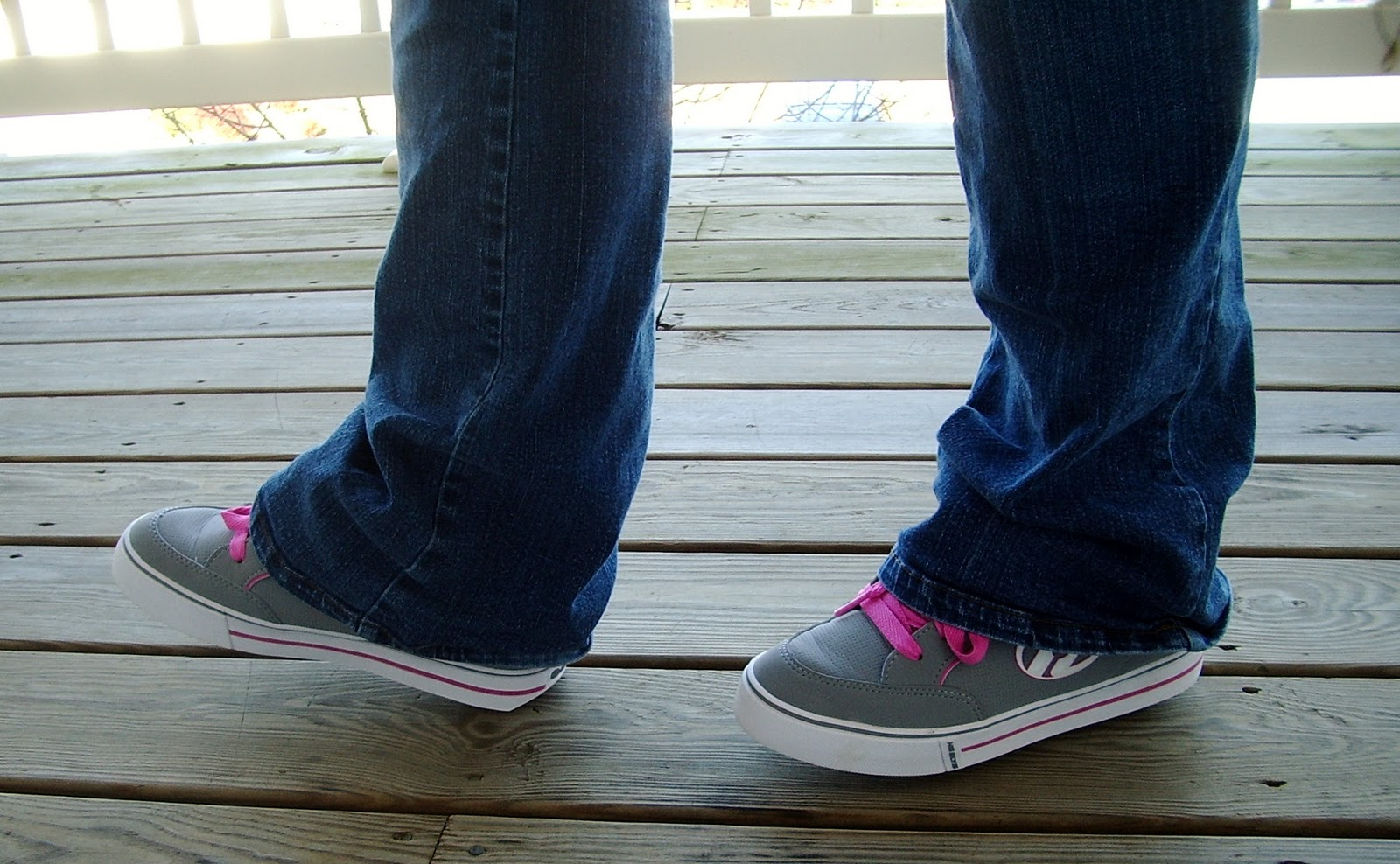 Heely skate shoes reviews - Back In Elementary And Middle School I Was An Avid Roller Blader In Line Skater I Was Hoping The Heelys Wouldn T Be Too Difficult