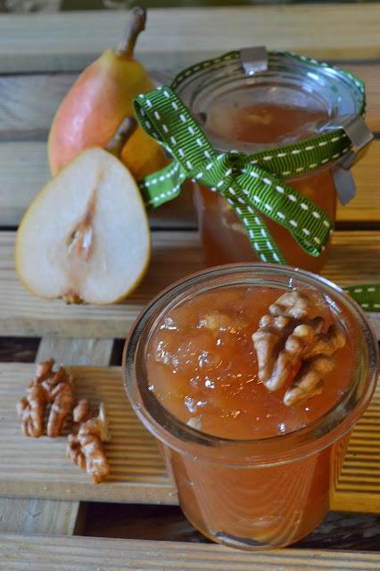 marmellata di pere angelica e noci: ricetta tipica marchigiana
