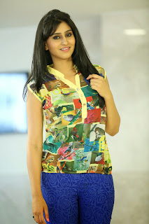 Shamili Looks So cute in Sleeveless Shirt and Blue Tight Leggings Awesome Pics