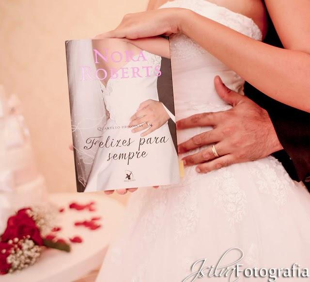 Casamento decorado com livros