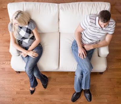 علامات تدل أن زواجك فاشل - حبيبان زوجان متخاصمان - انتهاء الحب - bad marriage