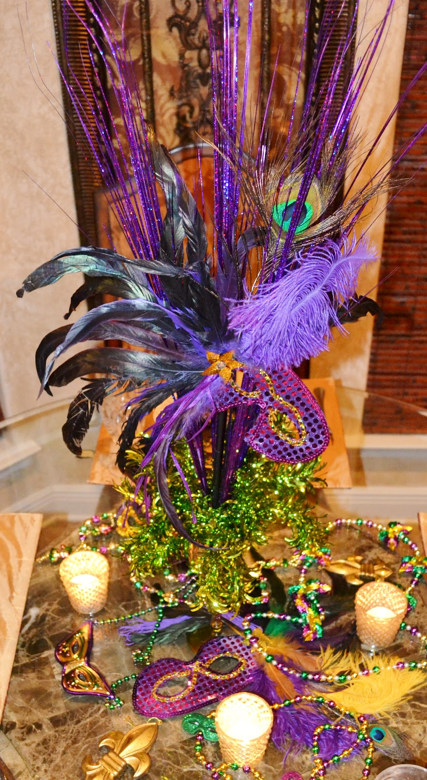 Southern Charm Mardi Gras Tablescape