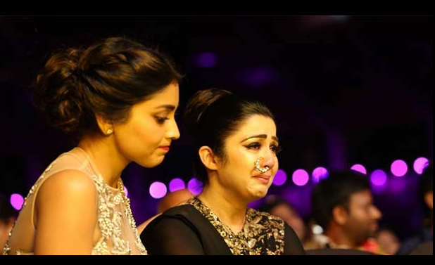 Is DSP Responsible for Charmi crying at IIFA Show 2016