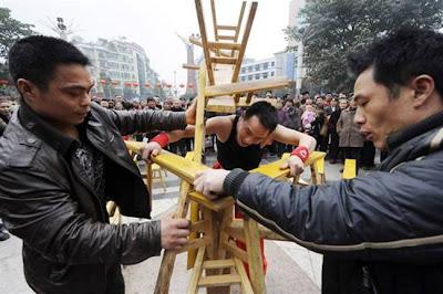 http://1.bp.blogspot.com/-TG5HELOVepc/T0NkItiXxMI/AAAAAAAAA7Q/h6USPdfKdMc/s1600/LiHongxiao3-_t3ha.jpg