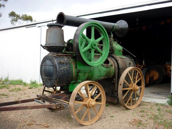 Garrett portable steam engine was made in England in 1923