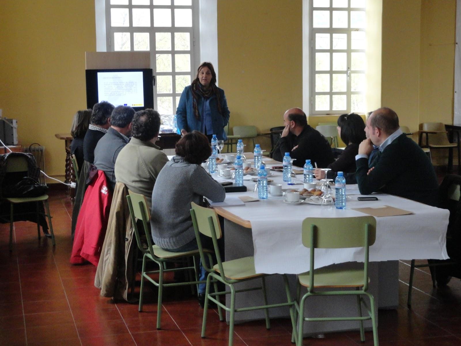 Escuela taller vicente paredes x desayuno de trabajo con for Empresas de jardineria
