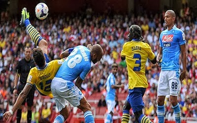 Prediksi Skor Arsenal vs Napoli Liga Champion 2 Oktober 2013