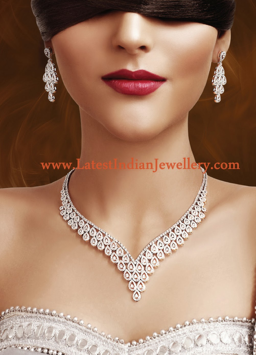 Classy Diamond Necklace Set
