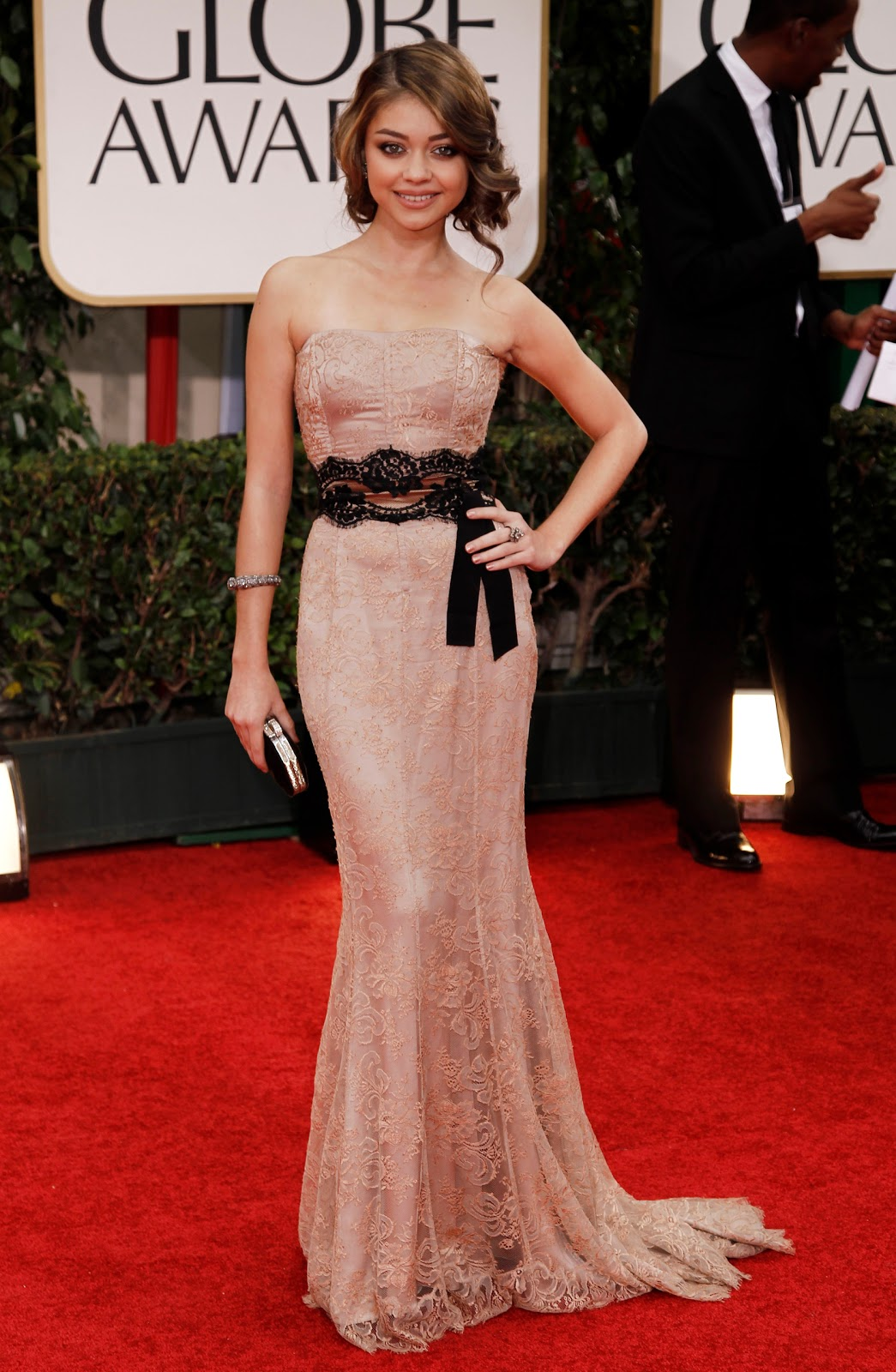 http://1.bp.blogspot.com/-TGVJD1Q2xIk/TxNkZEdvZMI/AAAAAAAABmI/_DSOC1-wq8E/s1600/CU-Sarah+Hyland+arrives+at+the+69th+Annual+Golden+Globe+Awards-02.jpg