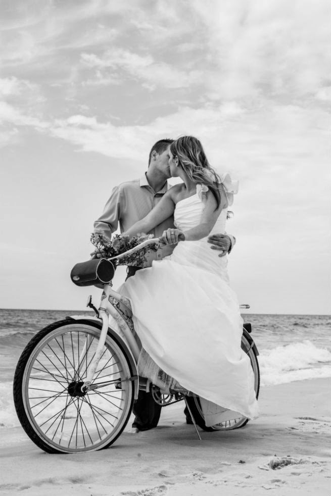 Trash The Dress, Pensacola Beach, Kissing on Bike