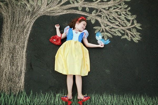 pose anak dibawah pohon...