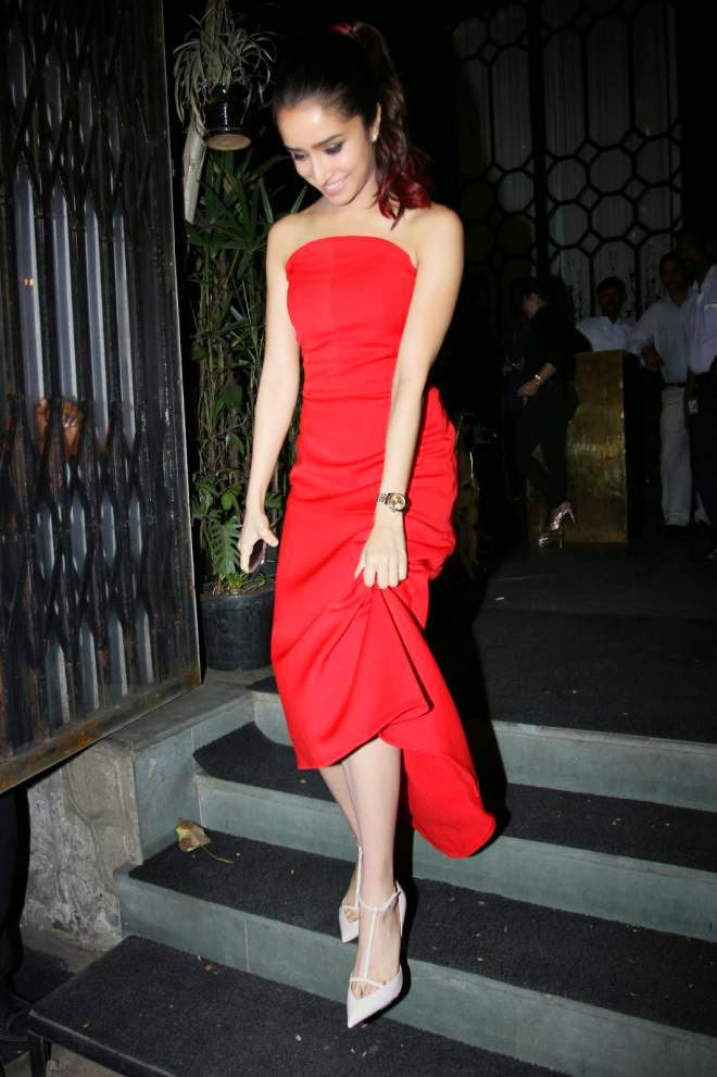 Shraddha Kapoor Off Shoulder Red Prom Dresses Photo
