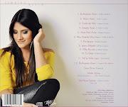 A cantora postou ontem (27) duas fotos de capa do CD para seus fãs . (er idl mural hellen kbps fb edb )