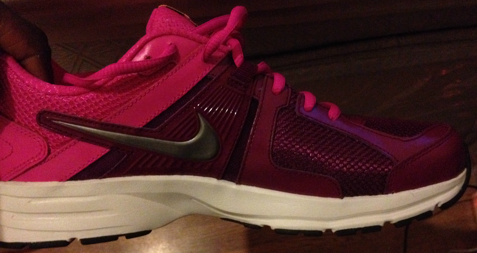 purple pink nike running shoes