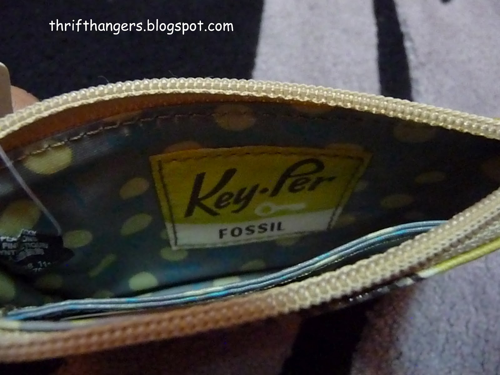 Bnwt Fossil Key Per Coin Purse Thrift Hangers Keyper Cross Body Calypso Brand New