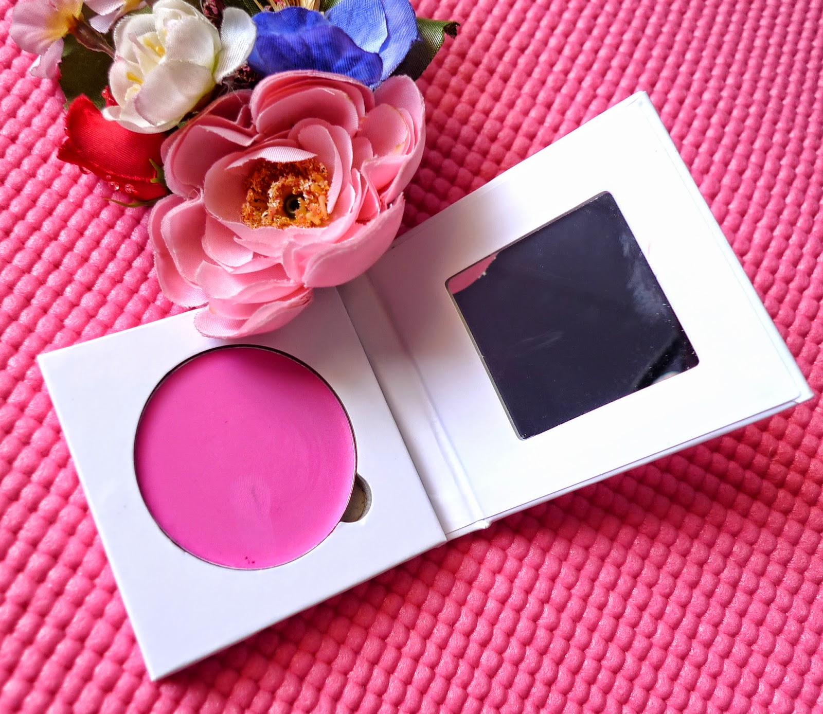 Ellana Minerals Eye Cheek Color in Celebrity Review   The Beauty Junkee