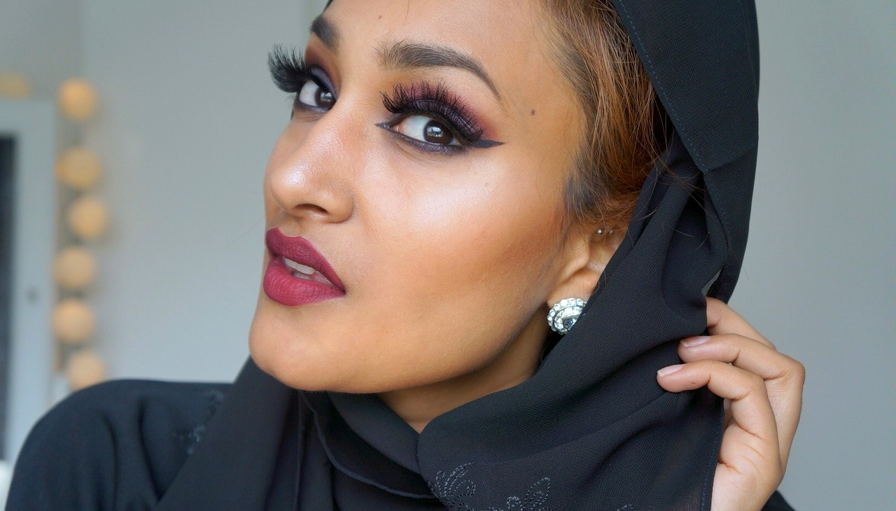 Love naheeda dramatic arab style makeup tutorial have a look at the pictures and video tutorial below and let me know what you think baditri Image collections
