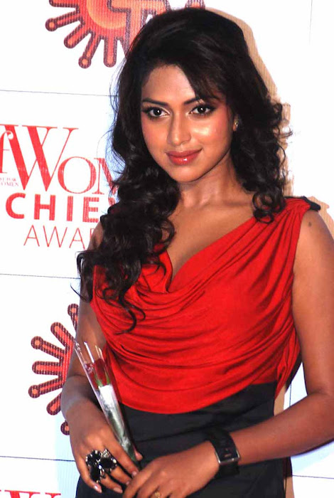 amala paul at jf womens achievers awards 2012 hot images