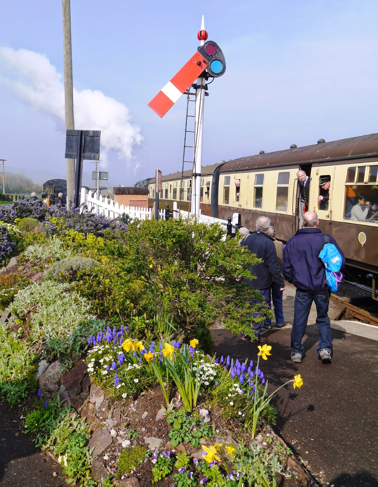 Train leaving Blue Anchor station
