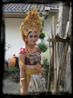 Balinese dress for beautiful Balinese girl, you deserve to try, when it comes to Bali